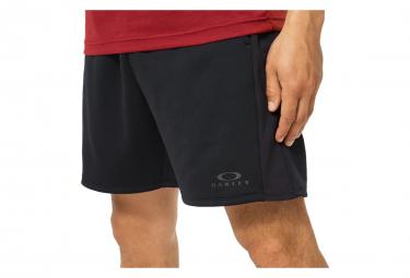 Pantalones cortos de entrenamiento Oakley Fleece negro