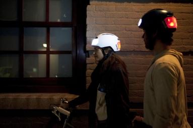 Casque vélo urbain TORCH avec LED intégrées avant et arrière - noir (Midnight)