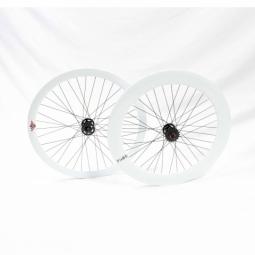 paire de roue beretta fixie 43mm av 70mm ar etanche white
