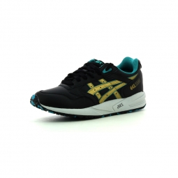 Baskets basses asics gel saga 40