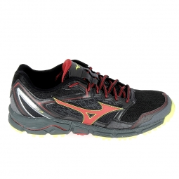 Chaussure de runningrando trail mizuno wave daichi 3 noir rouge