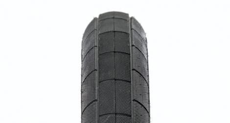 demolition pneu momentum noir 2 35