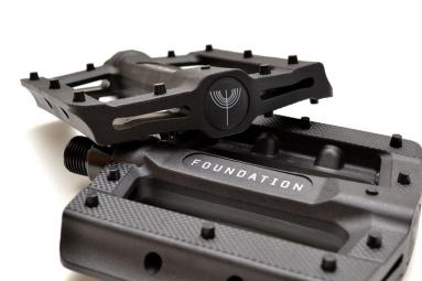 foundation pedales waffle v2 noir