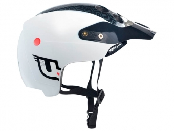 URGE 2014 Helmet ENDUR-O-MATIC Black White