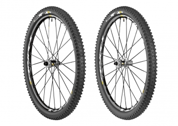 MAVIC 2015 Paire de roues CROSSMAX XL 26´´ + Pneu Quest 26x2.40 Tubeless Ready