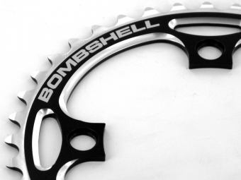 bombshell couronne 4 points noir 42