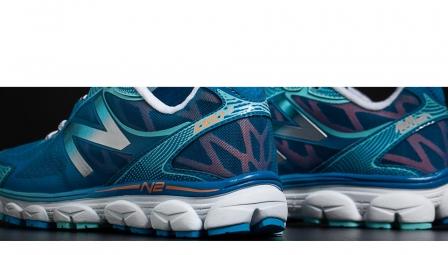 new balance chaussures w1080v5 b bleu blanc femme 36