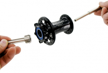 VAR hub bearings extraction kit