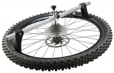 VAR Comparateur de centrage de roue