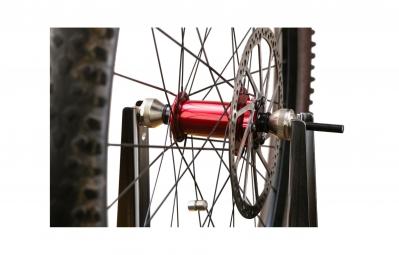 VAR Wheel centering stand