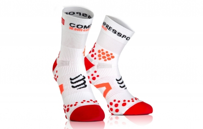 compressport paire de chaussettes pro racing socks v2 1 run blanc rouge 35 38