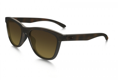 lunettes femme oakley moonlighter marron marron polarise ref oo9320 04