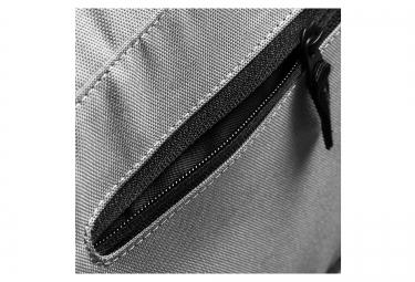 sac de sport asics core gris