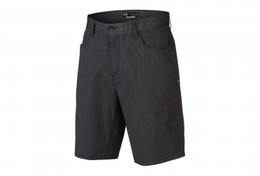 short oakley 365 noir 28
