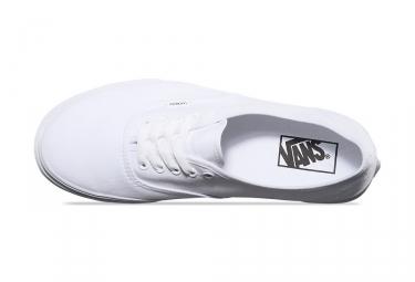VANS Paire de Chaussures AUTHENTIC Blanc