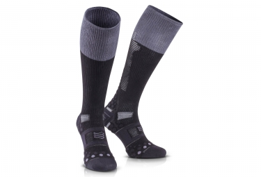 chaussettes de compression compressport ironman detox recovery noir t3
