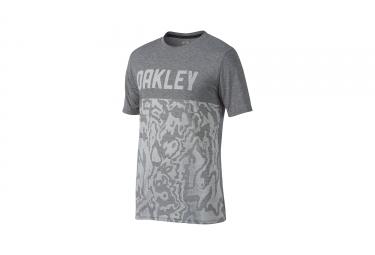 t shirt oakley o trng topo gris xl