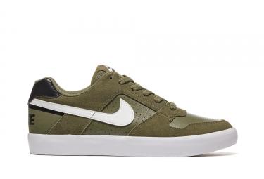 chaussures nike sb delta force vulc vert blanc 43