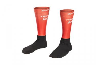 Paire de chaussettes aero trek by santini team trek segafredo rouge noir 43 45