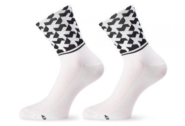 paire de chaussettes assos monogramsock evo8 blanc 38 42