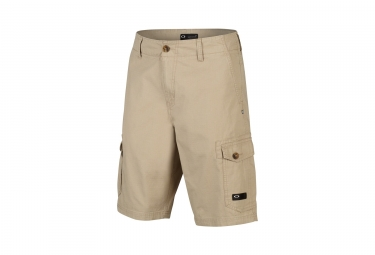 short oakley foundation cargo beige 30