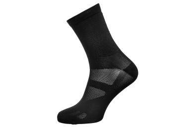 NEATT Paire de Chaussettes Hautes Noir