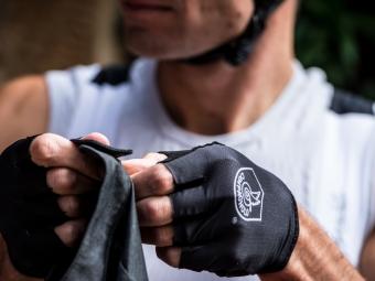 CAMPAGNOLO paire de gants courts GLOTECH black