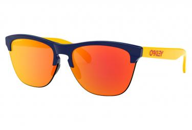 Oakley Sunglasses Frogskins Lite Snapback Navy / Prizm Ruby / Ref. OO9374-2163