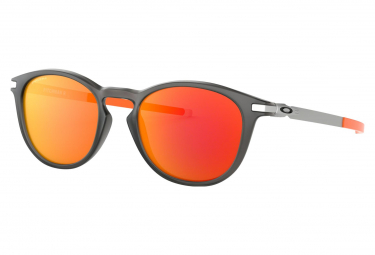 Oakley Sunglasses Pitchman R Ember Collection / Matte Grey Smoke / Prizm Ruby / Ref. OO9439-0750