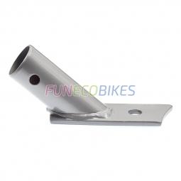 Attache sur axe de roue et bras de remorque vélo