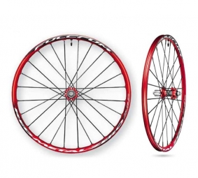 FULCRUM  Red Metal 0 XRP Paire de Roues Red Rouge/Noire Disque 6TR 26'' 9/15 mm