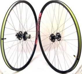 NOTUBES Paire de Roues ZTR OLYMPIC 26'' Axe 9 mm / A2Z / Rayons SAPIM
