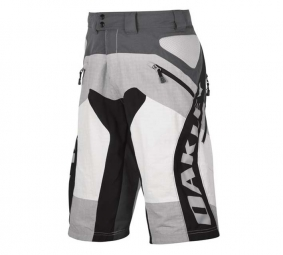 OAKLEY 2011 Short SUNDAY DH Gris Taille 38