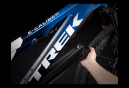 VTT Électrique Tout-Suspendu Trek E-Caliber 9.8 Shimano XT 12V 29'' Gloss Alpine Navy Smoke 2022