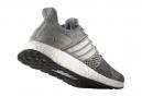 Chaussures de Running Femme adidas running ULTRA BOOST ST Gris