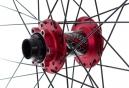 SPANK 2013 Paire de roues SPIKE Race 28 Rouge Axe 20mm 150x12mm